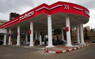 Цена и стоимость 1 литра бензина в Грузии в 2020 году: водительские права, штрафы и ПДД в стране